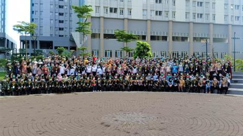 Satgas Relawan Tenaga Kesehatan di Rumah Sakit Darurat Covid-19 Wisma Atlit Kemayoran Jakarta